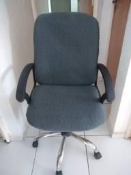 Cadeira giratória escritório com regulagem de altura