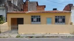 Aluga-se casa Rua Antônio Barbosa de Araújo c/2/4, Bairro Farolândia