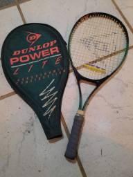 Raquete de tênis marca WILSON