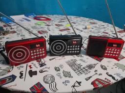 Vendo Esses Três Rádios