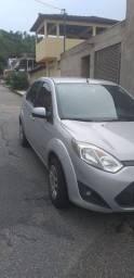 Vendo Carro Ford/Fiesta Sedan 1.6 Flex Ano 2012 93000km rodado Valor 24.900.00