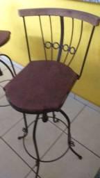 Cadeiras Giratórias de Ferro e Madeira