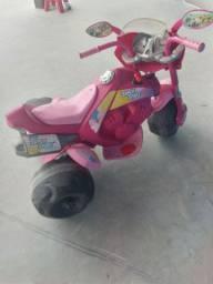Moto eletrica para criança em perfeito estado