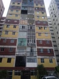 Apartamento no cond. João Durval