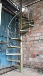 Escada caracol usada