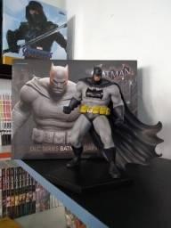 Iron Studios - Batman Arkham Knight - Dlc Dark Knight 1/10