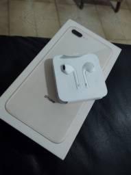 Título do anúncio: Vendo caixa de iPhone 8plus com fone original nunca usado