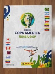 Álbum Copa América 2019 + War Cards de brinde