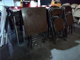 jogo de mesa e cadeira de metal marrom