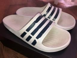 Chinelo Adidas Originals Adilette