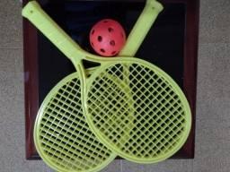 Raquetes e bola de frescobol nunca usadas marca: Estrela