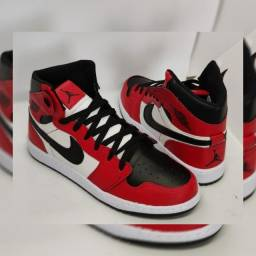 Tênis Nike Jordan 1 Feminino