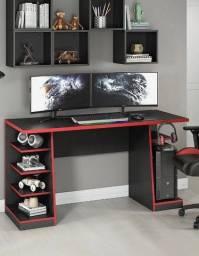 Oferta  Mesa Gamer 5 Nichos Preta/Preto com vermelho