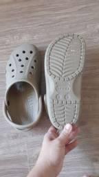 Crocs - Em excelente estado - usado 01 única vez