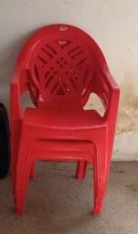 Título do anúncio: 3 cadeiras plástica reforçada com braço (Troco por cadeiras de jantar ou fogão)