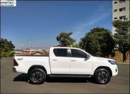 Título do anúncio: Toyota Hilux 2.7 Srv Cab. Dupla 4x2 Flex Aut. 4p<br> Ano 2020<br>