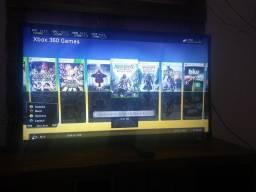 Xbox 360 com 40 jogos e 2 controles