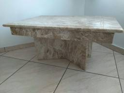 Mesa de centro em mármore
