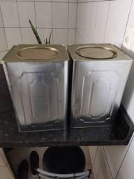 Título do anúncio: Vende-se 2 latas de banha