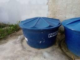 Caixa d'água 1000L, semi nova.