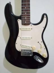 Guitarra Fender Squier Bullet Strat