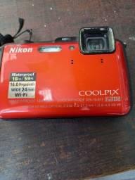 Máquina fotográfica a prova dagua