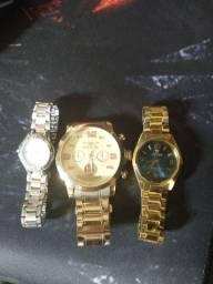 Título do anúncio: 3 relógios estragados(ponteiro não rodando)