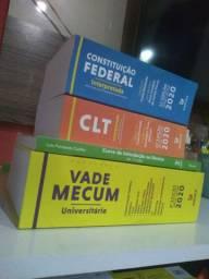 Livros, de direito.