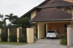 Linda residência com 4 dormitórios no Santo Antônio