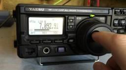 Yaesu FT 897 D Transceptor HF Ssb Multibanda
