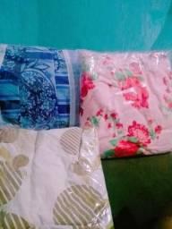 Vendo 3 lençóis 2 de casal e 1 de solteiro