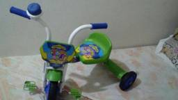 Triciclo de menino