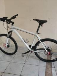 Vendo bicicleta merida em ótimo estado falar com zeca