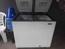 Vendo frizzer esmaltec 2 portas funcionando perfeitamente