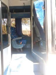Microonibus 2002/2003 Rodoviario 28 lugares