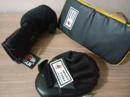 Luva Boxe, Manopla e aparador