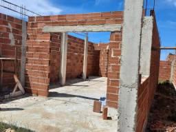 Vendo casa em construção.
