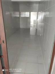 Alugo ponto/casa ótima localização, 3 compartimentos na Manoel Evaristo
