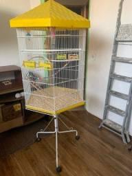Título do anúncio: Gaiola Viveiro para pássaros e calopsita grande com rodas - Usada