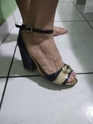 Sandália de salto Crysalis, tamanho 37