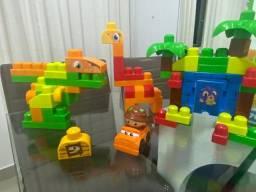 Mega bloks 70 peças Fisher Price construa dinossauro