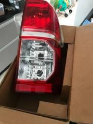 Lanterna traseira Hilux 2012 a 2015