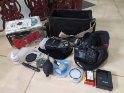 Máquina Fotográfica Rebel T3 1100D com flash YN565