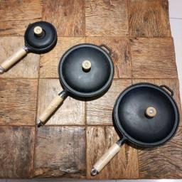 3 Frigideiras com  tampa