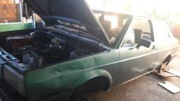Vendo motor 1.8 AP e câmbio 700  reais