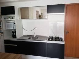 Cozinha completa semi-nova