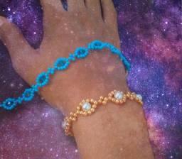 Pulseira ( bracelete) miçanga e pérolas