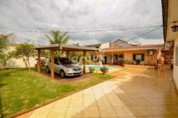 Título do anúncio: Casa com piscina e jardim, 3 quartos e área comercial(ou Edícula), por 580 mil!!!
