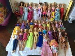 Lote com 10 Barbie