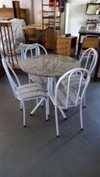 Mesa tampo granito com 4 cadeiras